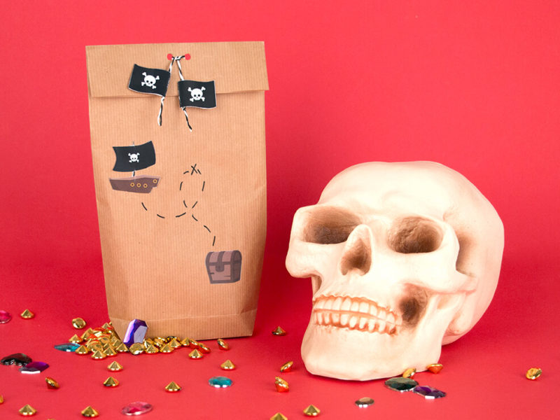 DIY to make a pirate party bag free